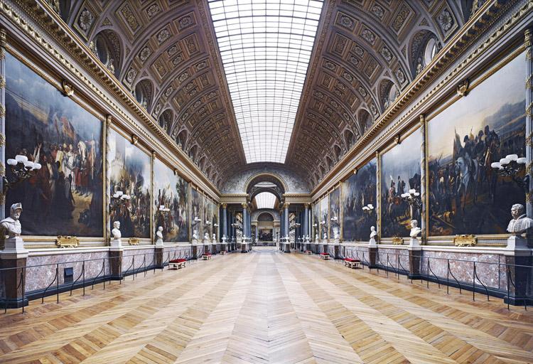 "Candida Höfer, ""Chateau de Versailles III"", 2007, C-print, 79 x 104 inches. Via Yvon Lambert Paris."